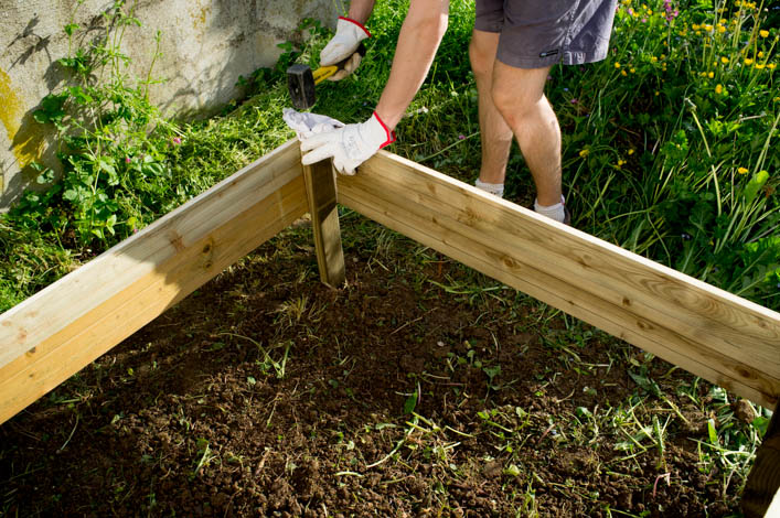 Diy fabriquer un potager carr 6 la godiche pictures to pin on pinterest for Fabriquer un carre potager