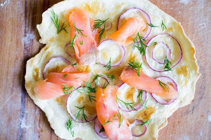 tarte-flambee-maison-saumon-aneth-la-godiche-2