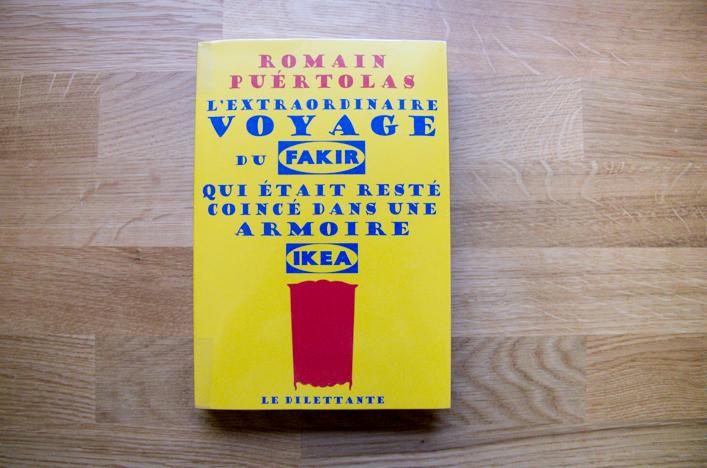 Book club la godiche l'extraordianire voyage du fakir qui était resté dans une armoire ikéa de Romain Puértolas