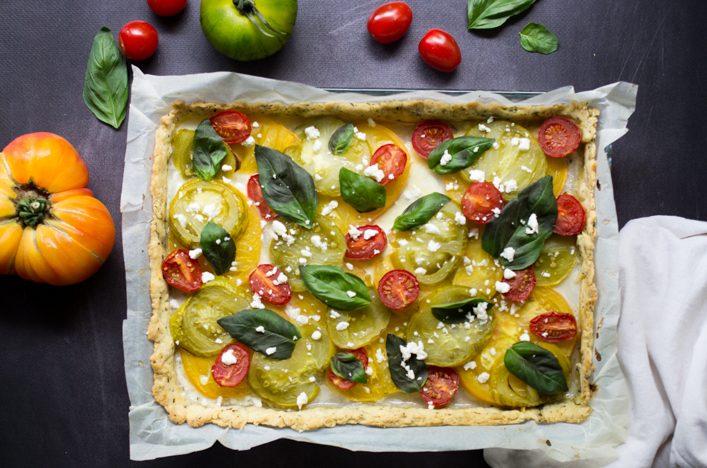 Tarte aux tomates heirloom, pâte sablée à l'origan, recette sur la Godiche