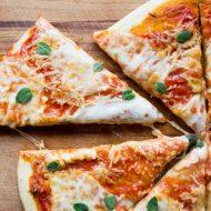 Pâte à pizza maison parfaite, ma recette facile et inratable sur la Godiche ! / www.lagodiche.fr