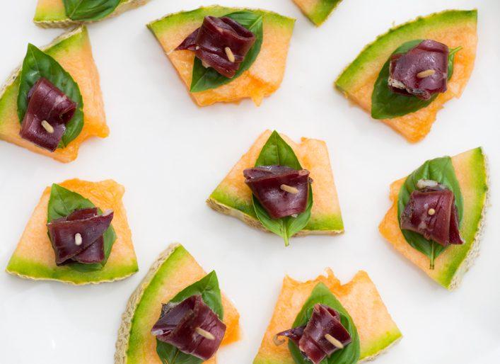 Tapas melon basilic et magret de canard fumé, recette facile et rapide sur la Godiche / www.lagodiche.fr