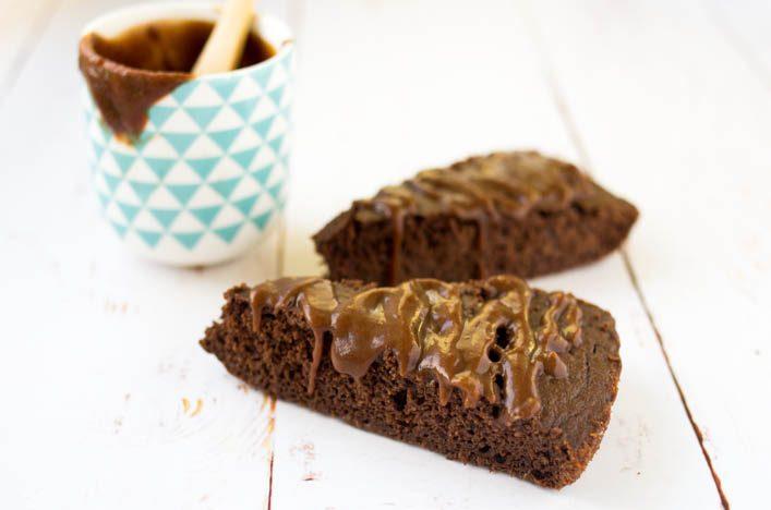 Gâteau au chocolat sans sucre sans beurre, healthy et gourmand ! Recette sur la Godiche www.lagodiche.fr